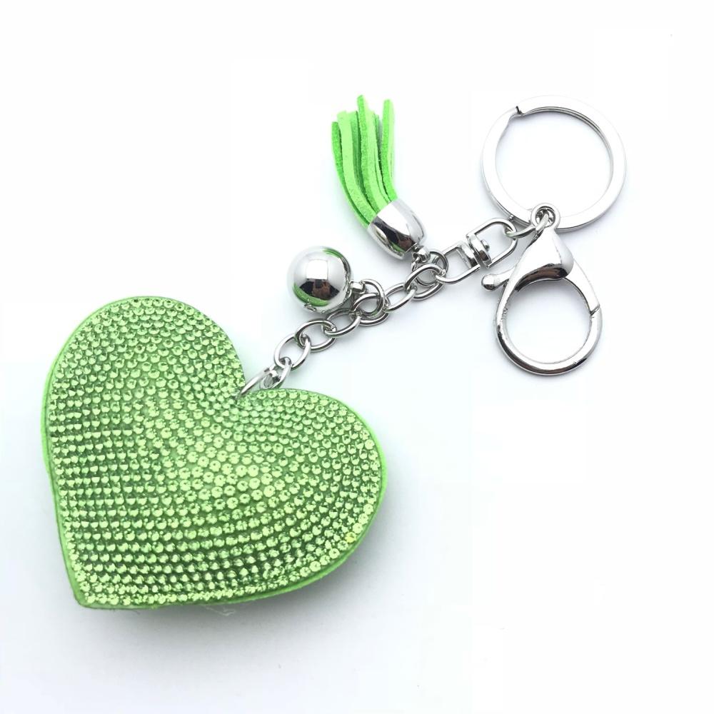 Zelený kamínkový přívěsek na klíče ve tvaru srdce  2a15af6c443